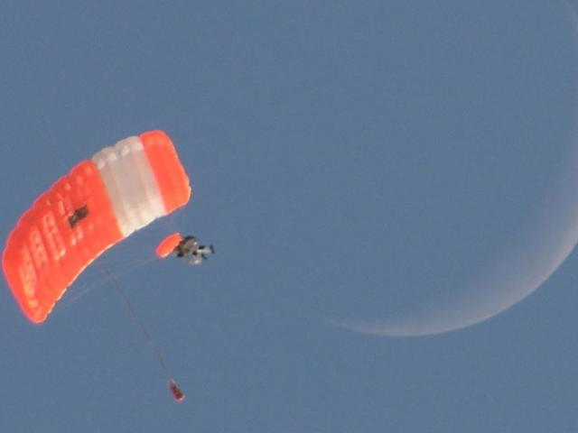 Google Executive Breaks Record With Near-Space Skydive