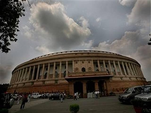 संसद की कार्यवाही न रोकने का वादा भूल गए सांसद?