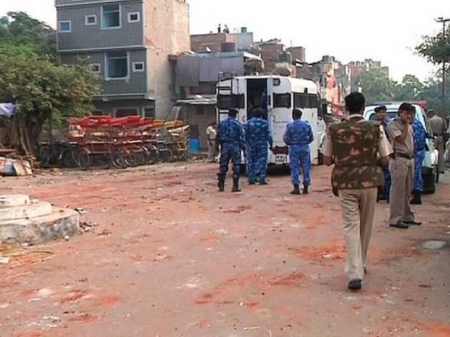 trilokpuri violence: police searching for five culprits