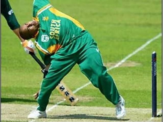 Paul Adam_Southafrica_Cricket team_Bowling Action_