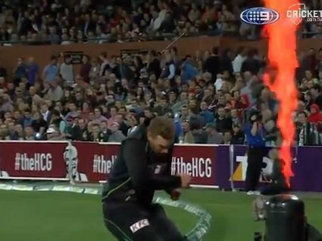 Aaron Finch_Australia vs S.Africa_firework incident