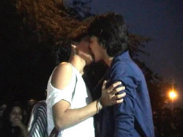 kiss of love_bhopal