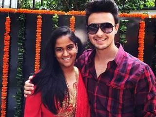 Salman Khan's sister Arpita's wedding: The 'Khandaan' leaves for Hyderabad