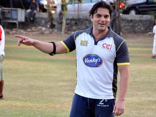sohail khan will start women bollball team