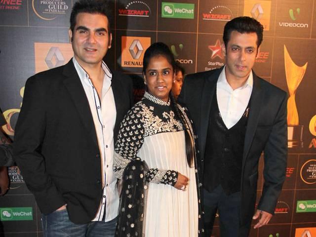 Arpita Khan's Wedding: Salman Thanks Fans For Their Wishes