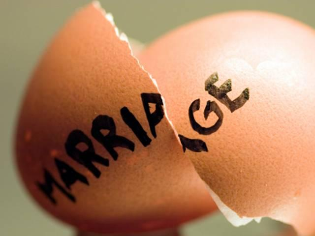 wife gets 53 crore dollar when getting separated with husband