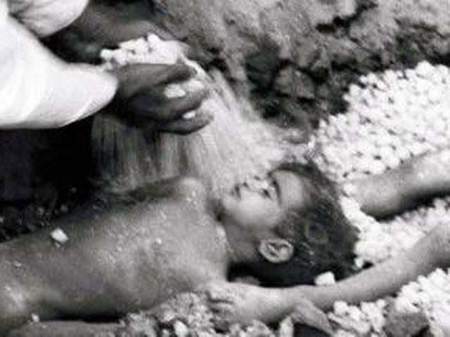 Paytm_Snapdeal_Bhopal Gas Tragedy_