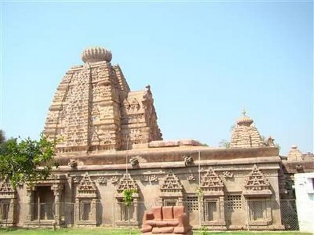Temple gutted in fire due to short-circuit