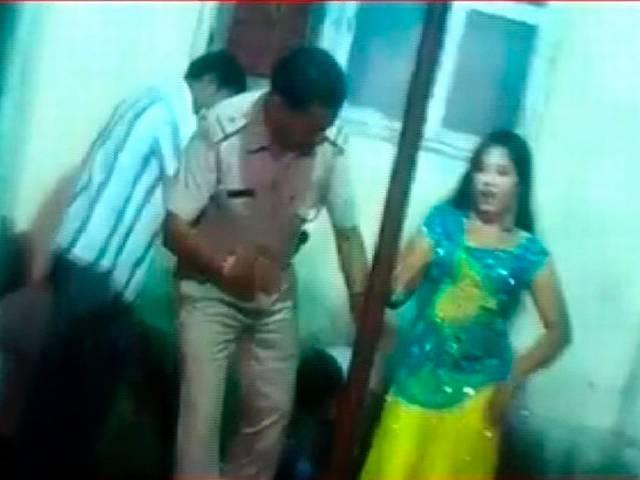 Surat police sub inspector dances with bar girl, police department initiates action