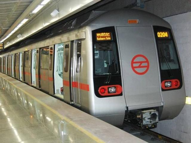 Ninety four percent of pickpockets held in Delhi Metro are women