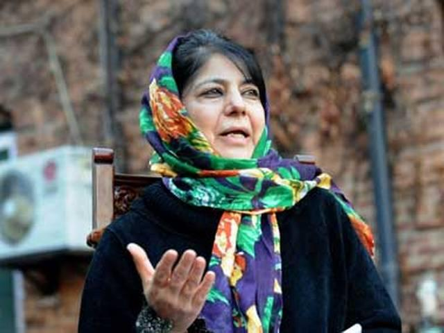 Mehbooba Mufti to meet J&K Guv today; BJP-PDP alliance likely