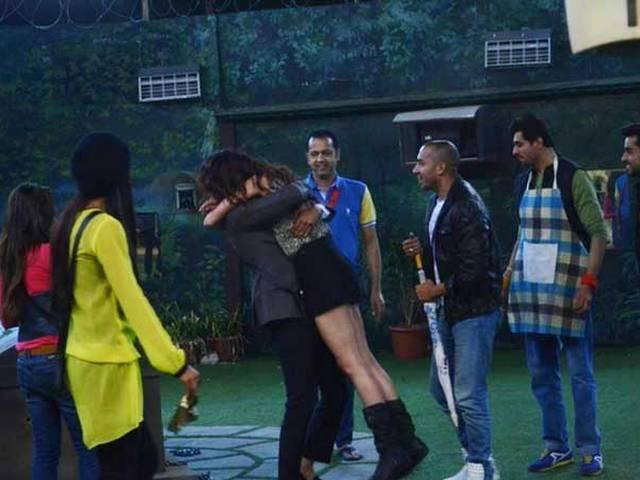 Cell centre task in the Bigg Boss house