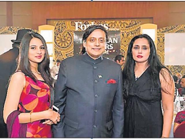 sunanda pushkar case: sashi tharoor avoids media question