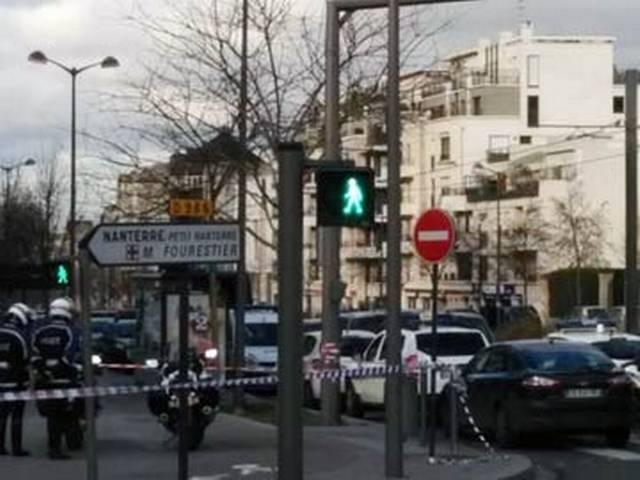 Paris Hostage Terror at Post Office