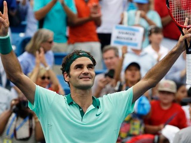 Roger Federer overcomes early blip to reach Australian Open third round