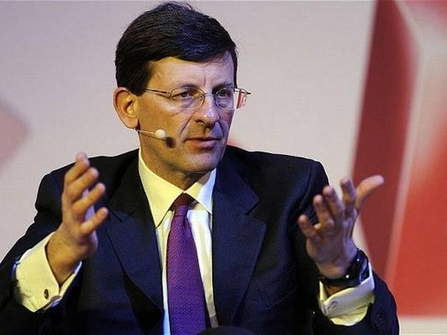 Do we need to charge for spectrum?, asks Vodafone chief Vittorio Colao