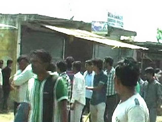 हरदा के खिरकिया में दंगों के बाद शांति, कर्फ्यू में ढील