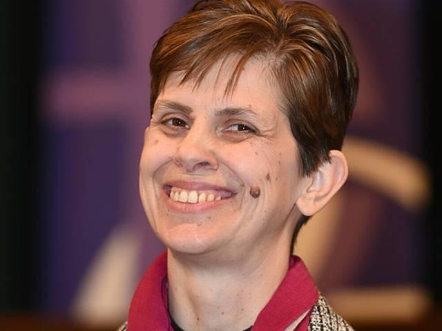 Libby Lane: First female Church of England bishop consecrated