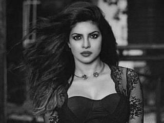 priyanka chopra_mother_