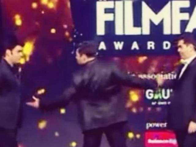 When Salman did the Shahrukh pose!
