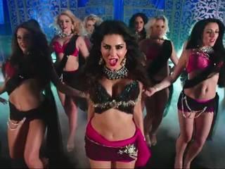 sunny leone's next movie Ek Paheli Leela's look