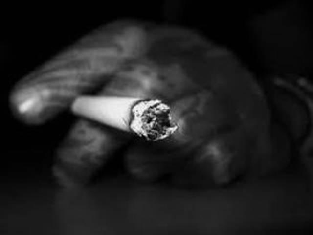 सौतेले पिता ने नशे में बेटे को सिगरेट से जलाया