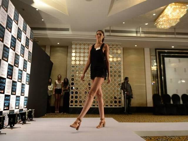 Hot models audition for Fashion Week
