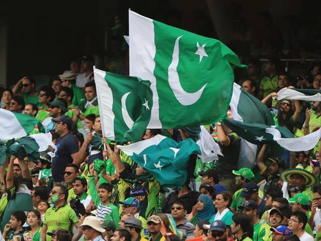 world cup 2015_india_pakistan_cricket_match_pakistani_supporter