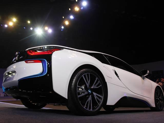 BMW launches its first hybrid & costliest car i8 at Rs 2.3 cr