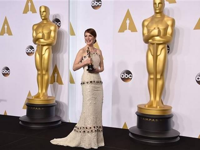 """""""Birdman"""" soars to Oscars glory with four wins"""