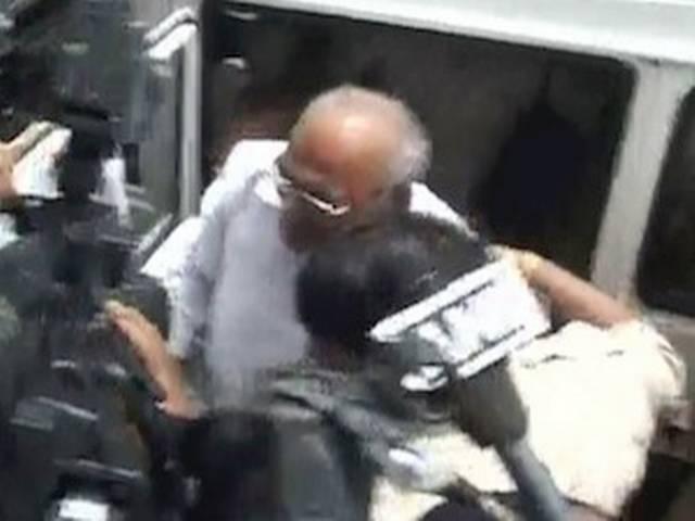 यौन शोषण में फंसे पूर्व मंत्री राघवजी जेल से रिहा