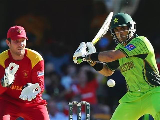 Akhtra's U-turn on Misbah, says skipper is keeping team alive