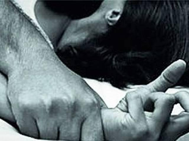 बलात्कार के आरोप में दो युवक गिरफ्तार