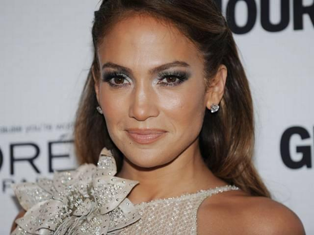 Jennifer Lopez thinks 'singers or dancers' are best lovers