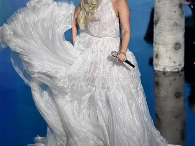 Lady Gaga planning family wedding