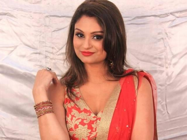 Dimpy Ganguly  finally revealed the identity of her boyfriend