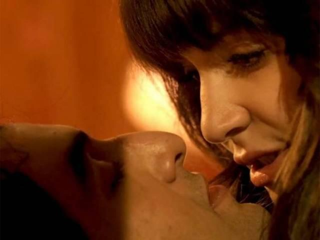 When Ranbir Kapoor and Anushka Sharma kissed at least five times!