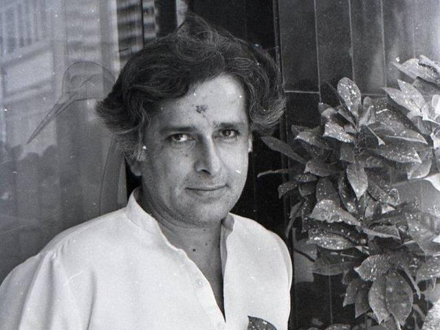 Shashi Kapoor a 'Stalwart' in Film Industry: Modi