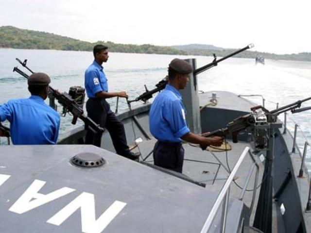 Sri Lankan navy apprehends 33 Indian fisherme