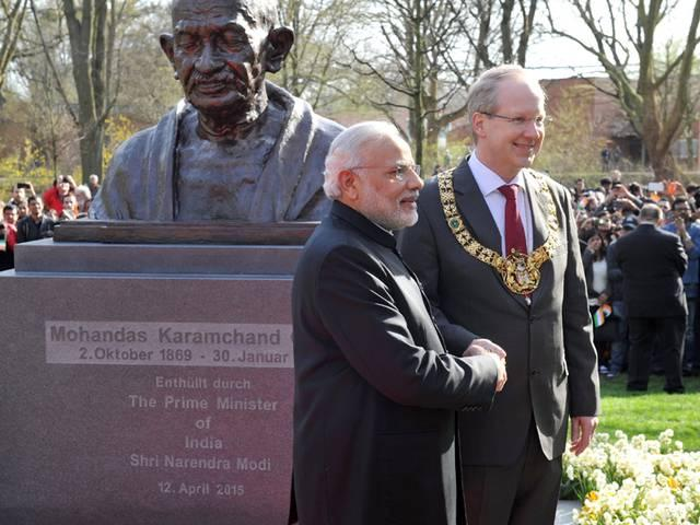 PM Modi unveils bust of Gandhi in German city of Hannover