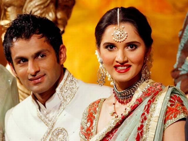 pakistani cricketer shoaib malik comes india to meet wife sania mirza