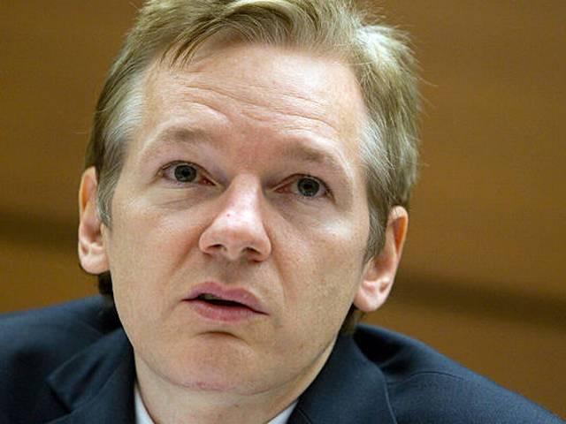Julian Assange agrees to meet with Swedish prosecutors in UK