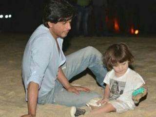 Shahrukh Khan_Abram_Gauri Khan_