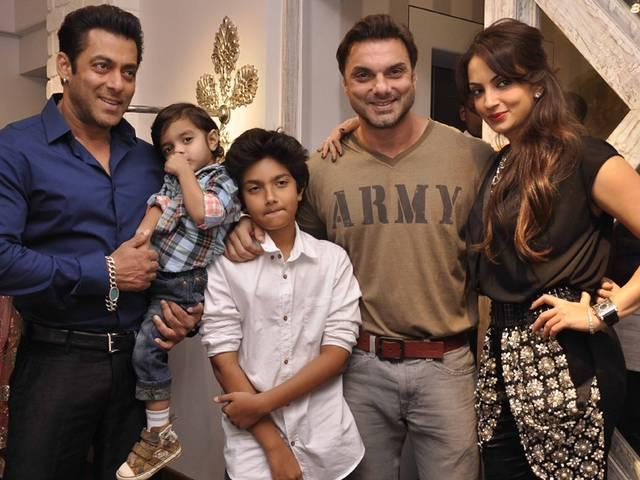 salman khan called his family mini india