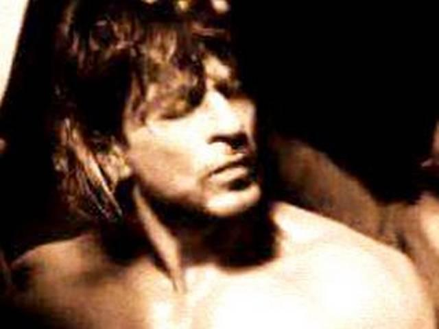 HOT picture of Shah Rukh Khan from Raees