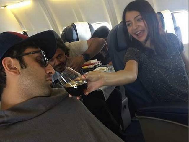 Anushka Sharma makes 'exhausted' Ranbir Kapoor smell the 'Pepsi'