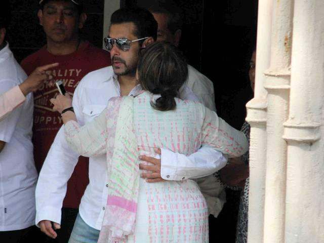 Salman's conviction stayed, enlarged on bail