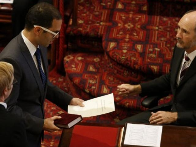 NSW MP Daniel Mookhey sworn in on Hindu religious text the Bhagavad-gita in Australian first
