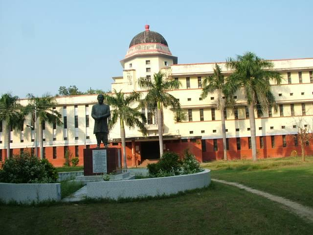 allahbad university: proffesor allegedly molested a girl student