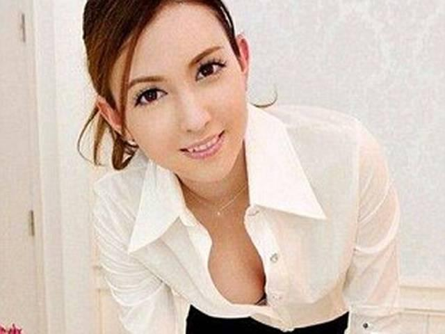 Chinese billionaire pays £5million to hire Japanese porn star as his 'personal assistant' for 15 years